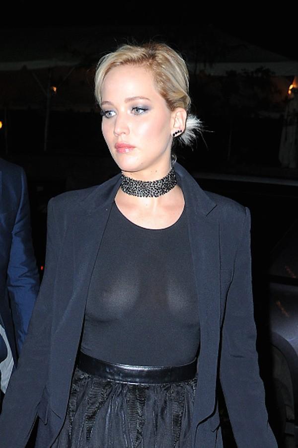 A atriz Jennifer Lawrence e sua vestienta transparente (Foto: Getty Images)