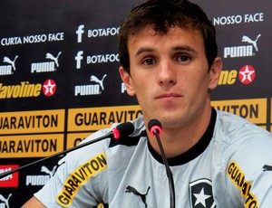 lucas botafogo coletiva (Foto: Fred Huber / Globoesporte.com)