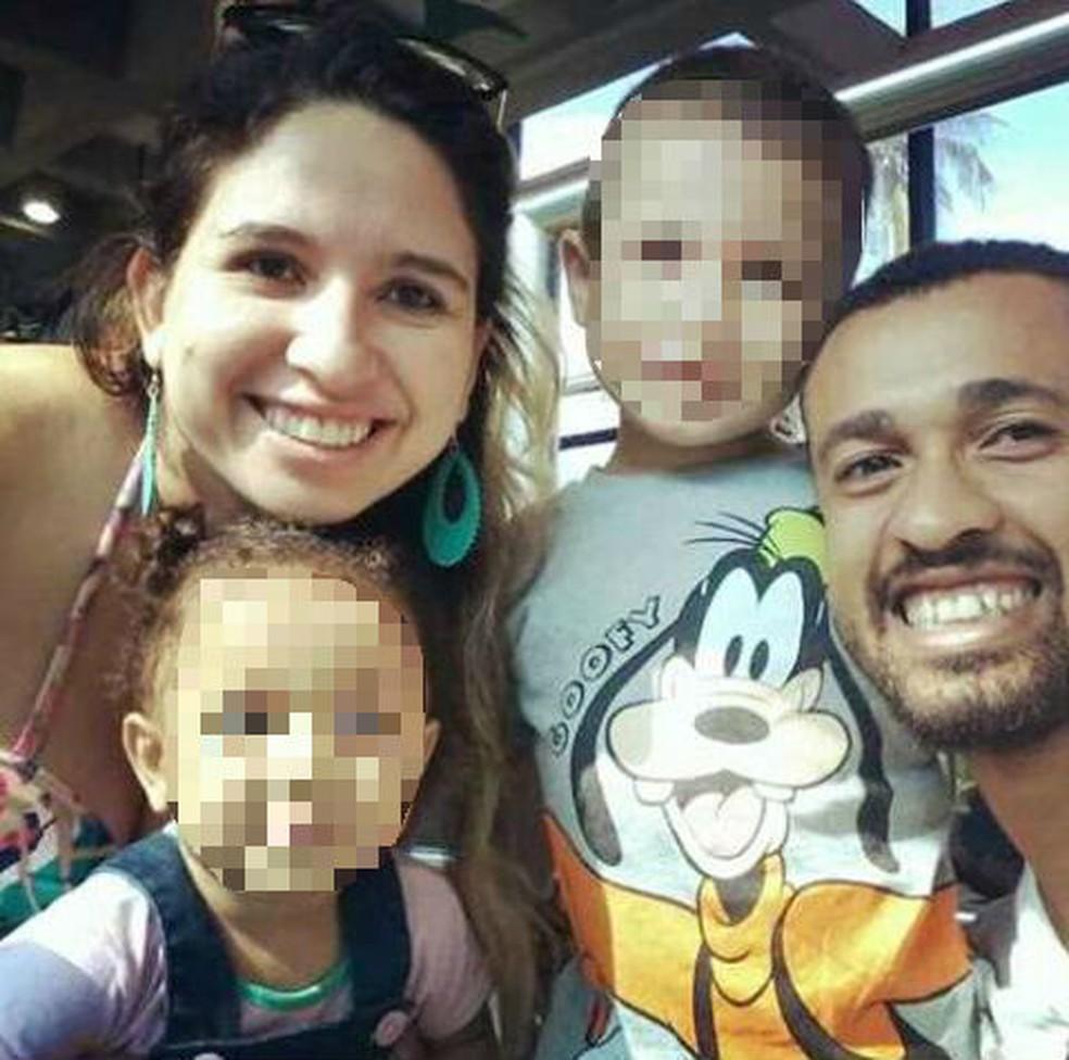 Secretária desaparecida desde segunda-feira (19) é casada e tem dois filhos.  (Foto: Arquivo Pessoal)