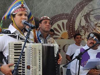 Danilo Pernambucano cantou música em homenagem a Gonzagão (Foto: Luna Markman/G1)