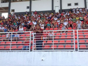 Torcedores do Boa Esporte (Foto: Brenno Beretta / EPTV)
