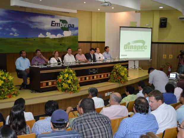 Abertura da Dinapec na manhã desta quarta-feira (11), na Embrapa Gado de Corte, em Campo Grande (Foto: Anderson Viegas/Do Agrodebate)