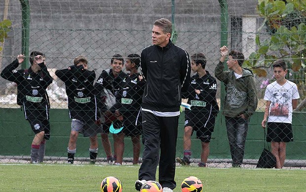Paulo Autuori vasco treino (Foto: Marcelo Sadio / Vasco.com.br)