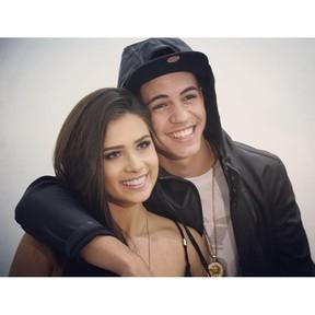 Biel posa com a namorada, Flávia Pavanelli, em seu aniversário (Foto: Reprodução/Instagram)