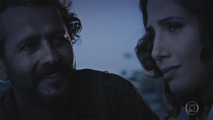 Tereza pede para Cícero não ir embora  (Foto: TV Globo)