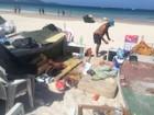 Acampamentos irregulares são removidos de praia em Cabo Frio, RJ