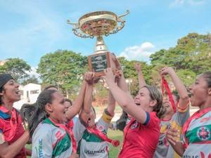 Meninas podem levar o bicampeonato mineiro; em 2015, vitória na final também foi contra o América (Foto: Ipatinga Futebol Clube/Divulgação)