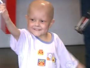 João Victor se recupera de um câncer (Foto: Reprodução/ RBS TV)