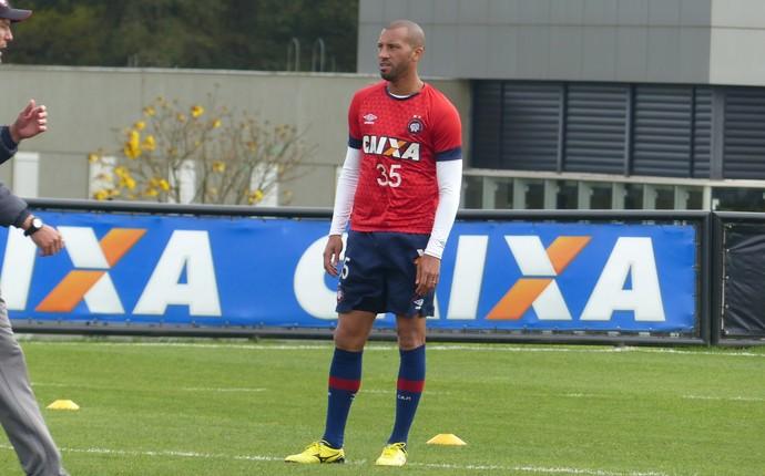 Kadu Atlético-PR (Foto: Thiago Ribeiro)