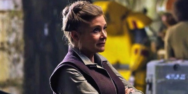 Carrie Fisher, a eterna Princesa Leia, em sua derradeira participação no novo Star Wars, que será lançado em dezembro (Foto: Divulgação)