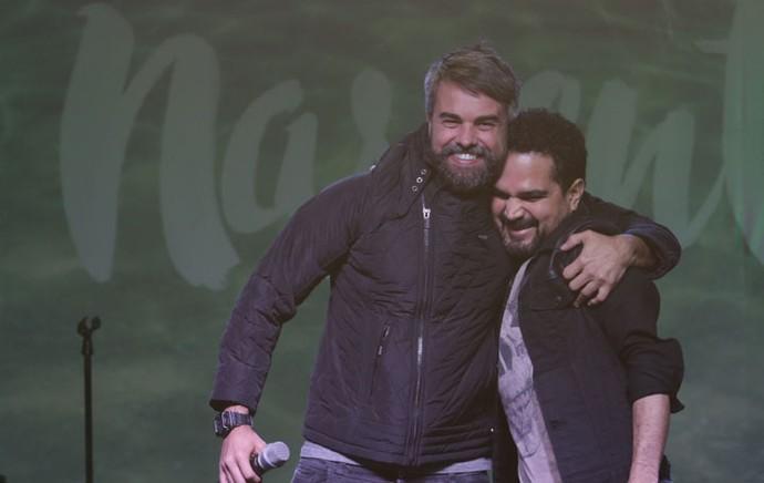 """Luciano também ganhou um abraço de Márcio: """"Esse cara virou meu 'irmãozão' também"""", diz o cantor (Foto: Luiz Renato Correa/RPC)"""