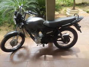 A motocicleta usada no assalto havia sido roubada de um morador de Colinas do Tocantins (Foto: Divulgação/PM TO)