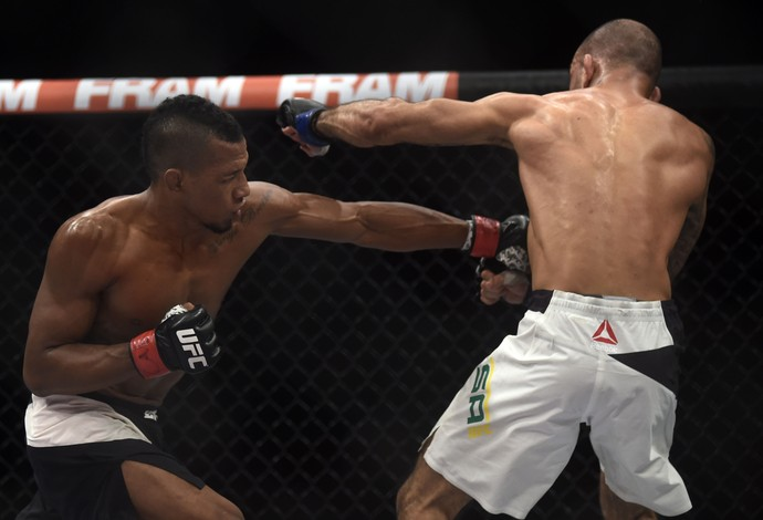 Iuri Marajó Leandro Issa UFC Rio 7 UFC 190 (Foto: André Durão)