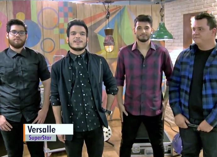 Banda Versalle responde na lata as perguntas dos fãs (Foto: Tv Globo/Gshow)