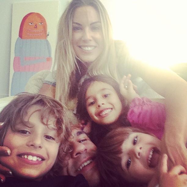 Vitor Belfort, Joana Prado e filhos  (Foto: Instagram / Reprodução)