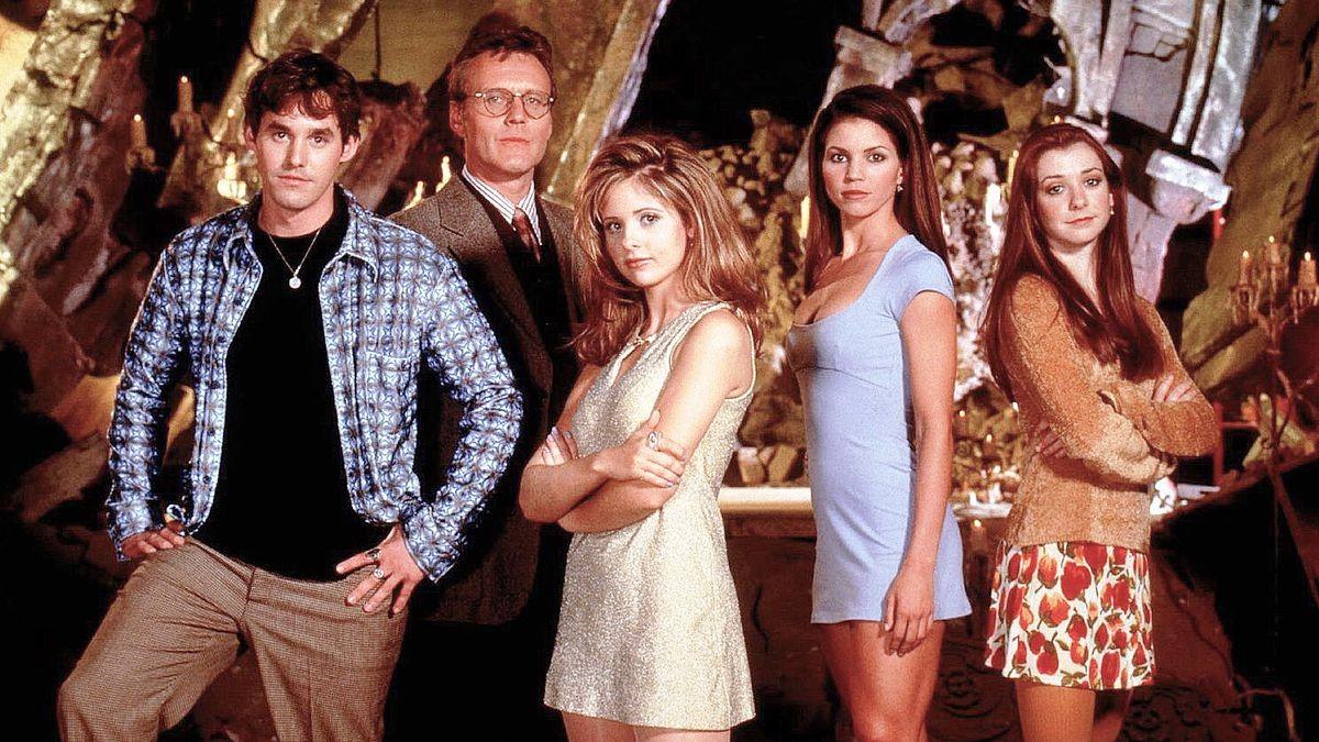 Parte do elenco de Buffy: A Caça-Vampiros (Foto: Divulgação)