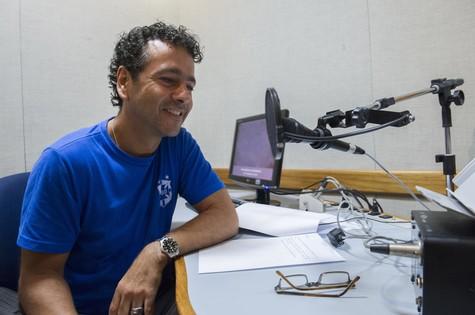 Marcos Palmeira grava chamadas de 'O rebu' (Foto: TV Globo)
