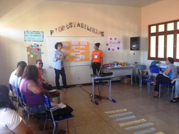 Professores são capacitados em dois dias de oficina (Foto: Cassio Albuquerque/G1)