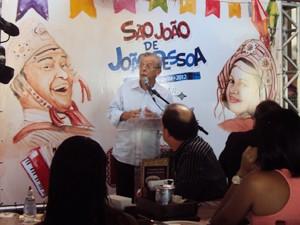 Prefeito disse que festa de João Pessoa não é feita para competir com outras (Foto: Krystine Carneiro/G1)