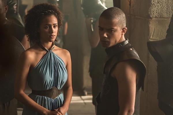 A atriz Nathalie Emmanuel (Missandei) e o ator Jacob Anderson (Grey Worm) em Game of Thrones (Foto: Reprodução)