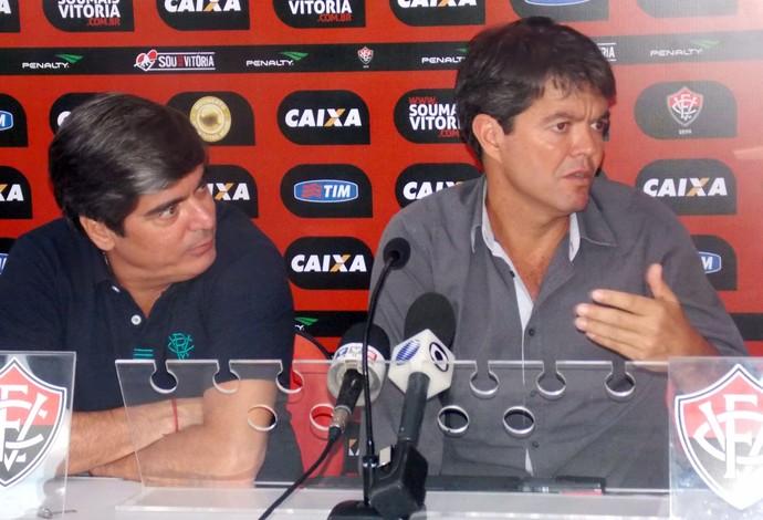 Carlos Falcão e Felipe Ximenes; Vitória (Foto: Thiago Pereira)