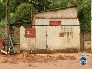 Chuva causou vários estragos em Agudos (Foto: Reprodução / TV TEM)