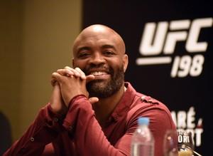 Anderson Silva Coletiva UFC 198 (Foto: André Durão)
