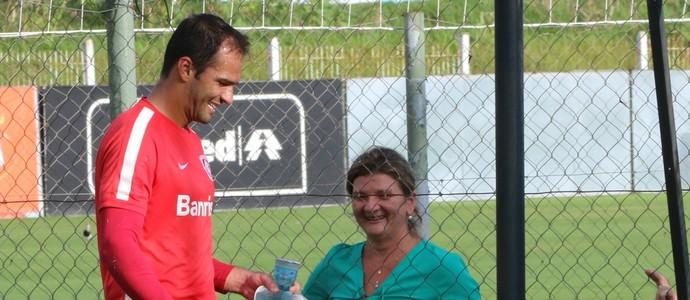 Muriel recebe a visita de Magali (Foto: Tomás Hammes)