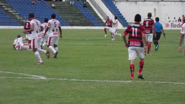 Campinense x Auto Esporte no Estádio Amigão pela 11ª rodada da 2ª fase do Campeonato Paraibano (Foto: Silas Batista / Globoesporte.com/pb)