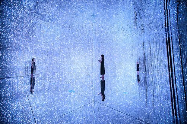 Exposição de arte digital em Tóquio brinca com cores e sensações (Foto: teamLab/Divulgação )