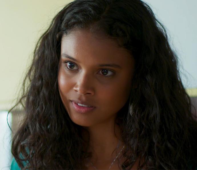 Será que Joana está perto de descobrir quem é seu pai?  (Foto: TV Globo)