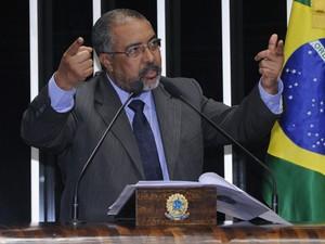 O senador petista Paulo Paim (RS), em discurso no plenário do Senado (Foto: Waldemir Barreto/Agência Senado)