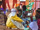 Sobrevivente do ebola vira símbolo de esperança em Serra Leoa