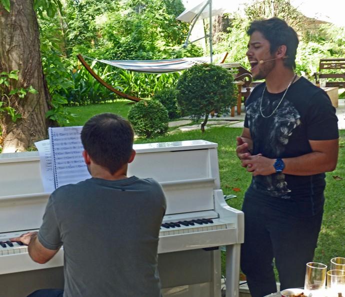 Renato Vianna cantou no É de casa horas depois de vencer o The Voice Brasil (Foto: Leonardo Viso/Gshow)