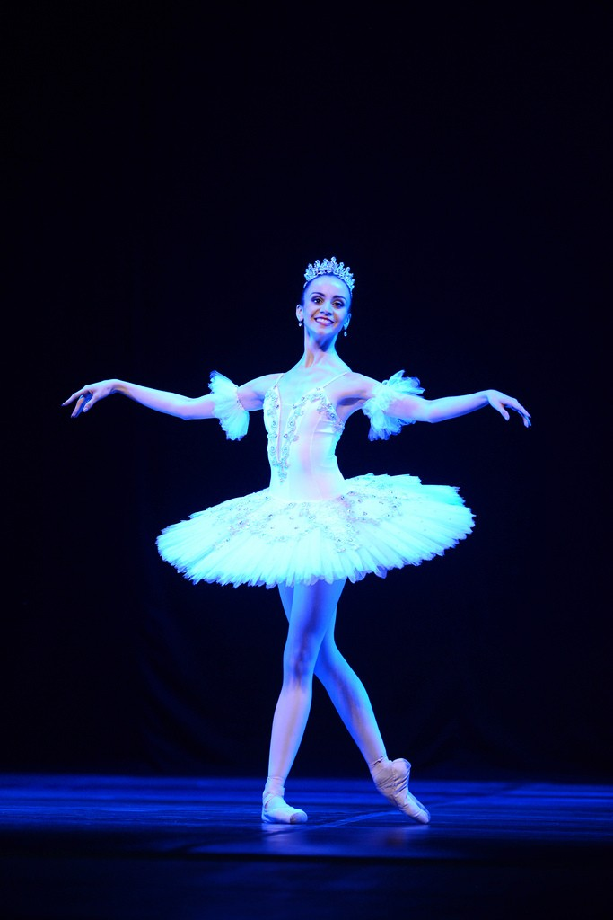 G1 - Após  puxão de orelha , bailarina se compromete e ganha bolsa ... 466165e3d5