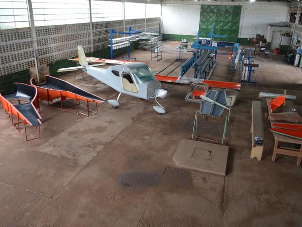 aeronaves - [Brasil] Empresário de RO constrói avião e sonha com fábrica de aeronaves G1_049