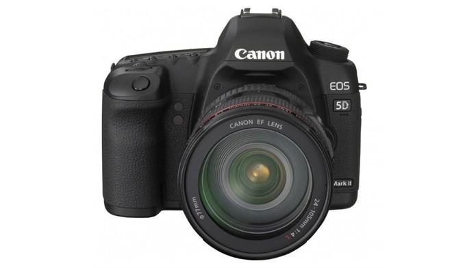Contando com 21.1 megapixels, a EOS 5D Mark II é uma das câmeras mais bem sucedidas da Canon (Foto: Divulgação/Canon)