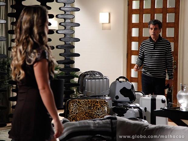 Bernardete decide deixar o apartamento da Barra para sempre (Foto: Ellen Soares / TV Globo)
