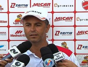Robélio Cavalinho, técnico do Vila Nova (Foto: Reprodução/TV Anhanguera)