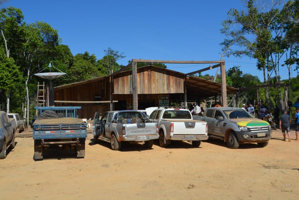 Caravana almoçou em um dos dias já na parte da tarde, no km 400, metado do caminho  (Foto: Mary Porfiro/G1)