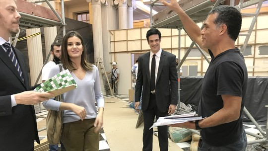Personagens de Camila Queiroz e Mateus Solano têm novos desafios em 'Pega Pega'