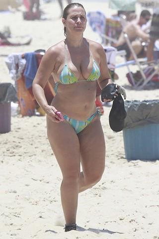 Andréia Sorvetão na praia do Recreio dos Bandeirantes, no RJ GALERIA (Foto: Dilson Silva / Agnews)
