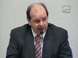 Ex-diretor da Petrobras Jorge Zelada presta depoimento à CPI da Petrobras do Senado (Foto: Reprodução / TV Senado)