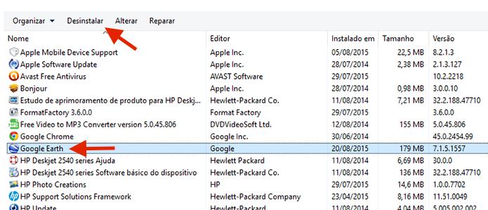 Selecionando o programa que será desinstalado do Windows (Foto: Reprodução/Marvin Costa)