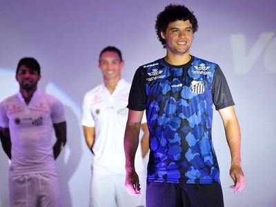 Uniforme de treino também foi lançado pelo Santos (Foto  Ivan Storti Santos  FC 52c0b505d35bc