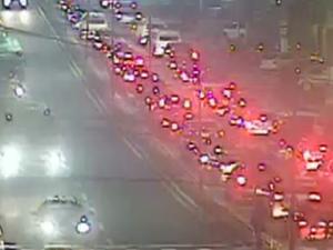 Acidente congestiona Avenida Dorival Marcondes de Godoy (Foto: Reprodução/TV Rio Sul)
