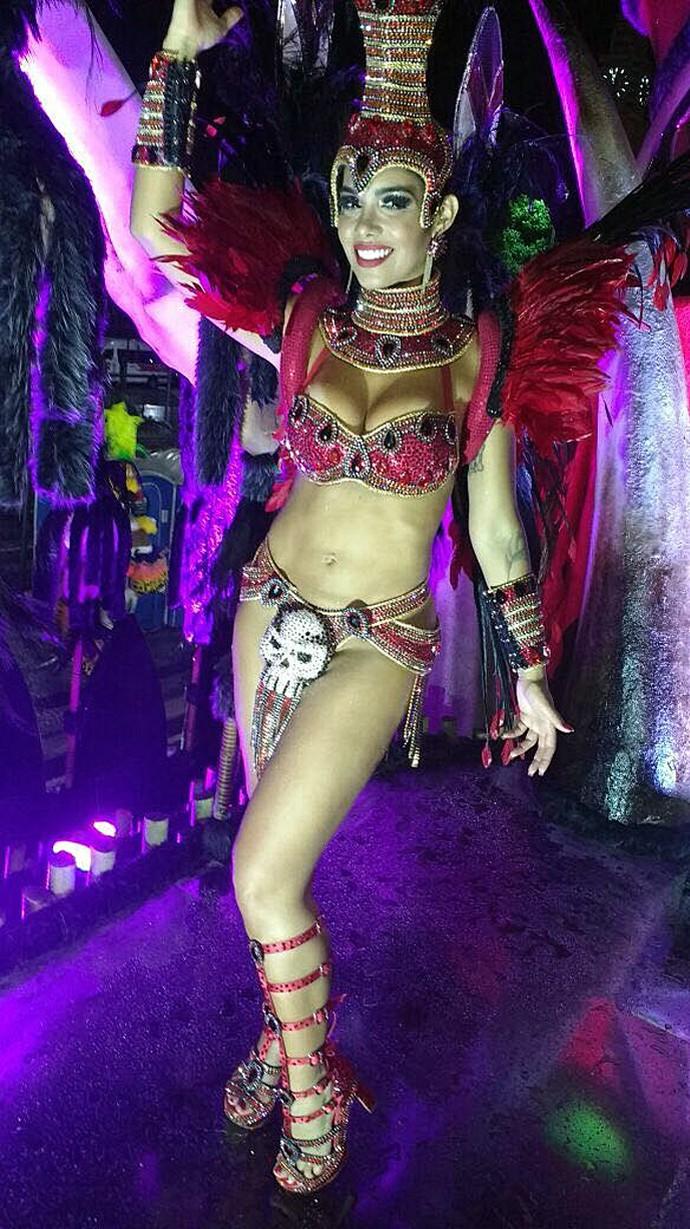 Mayara deixou o corpo bem à mostra no desfile (Foto: Arquivo Pessoal)