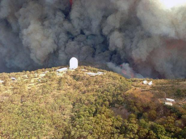 Incêndio ameaça o Observatório de Siding Spring (Foto: AFP)