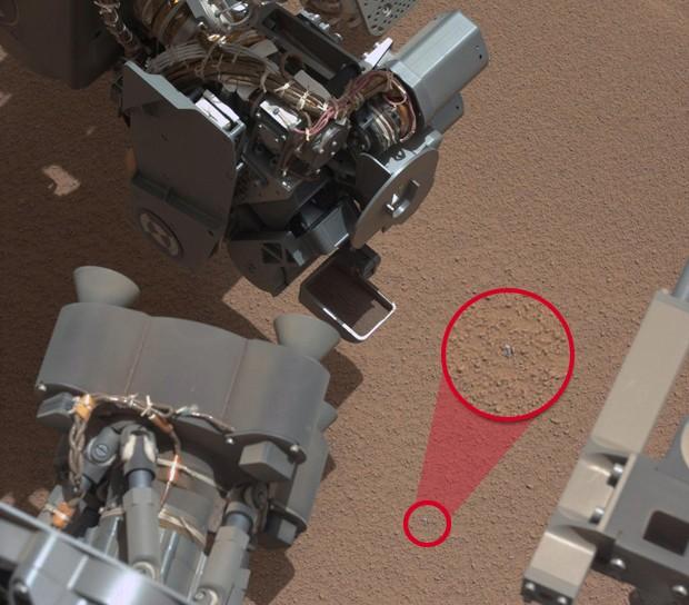 Curiosity Marte objeto metálico (Foto: Nasa/JPL-Caltech/MSSS )