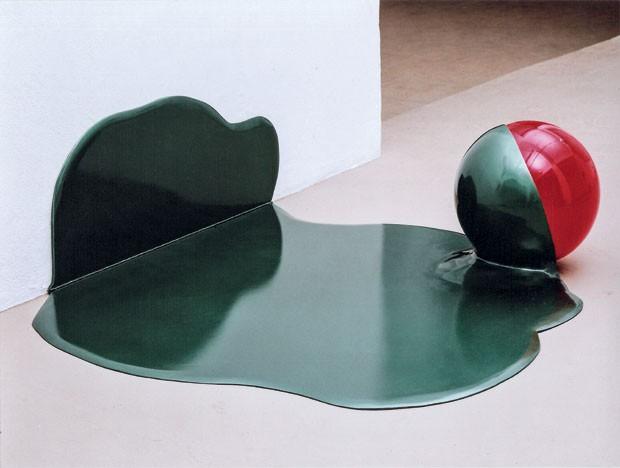 Escultura da série Cauda, de Tatiana Blass, que esteve na Bienal de 2010 (Foto: divulgação)